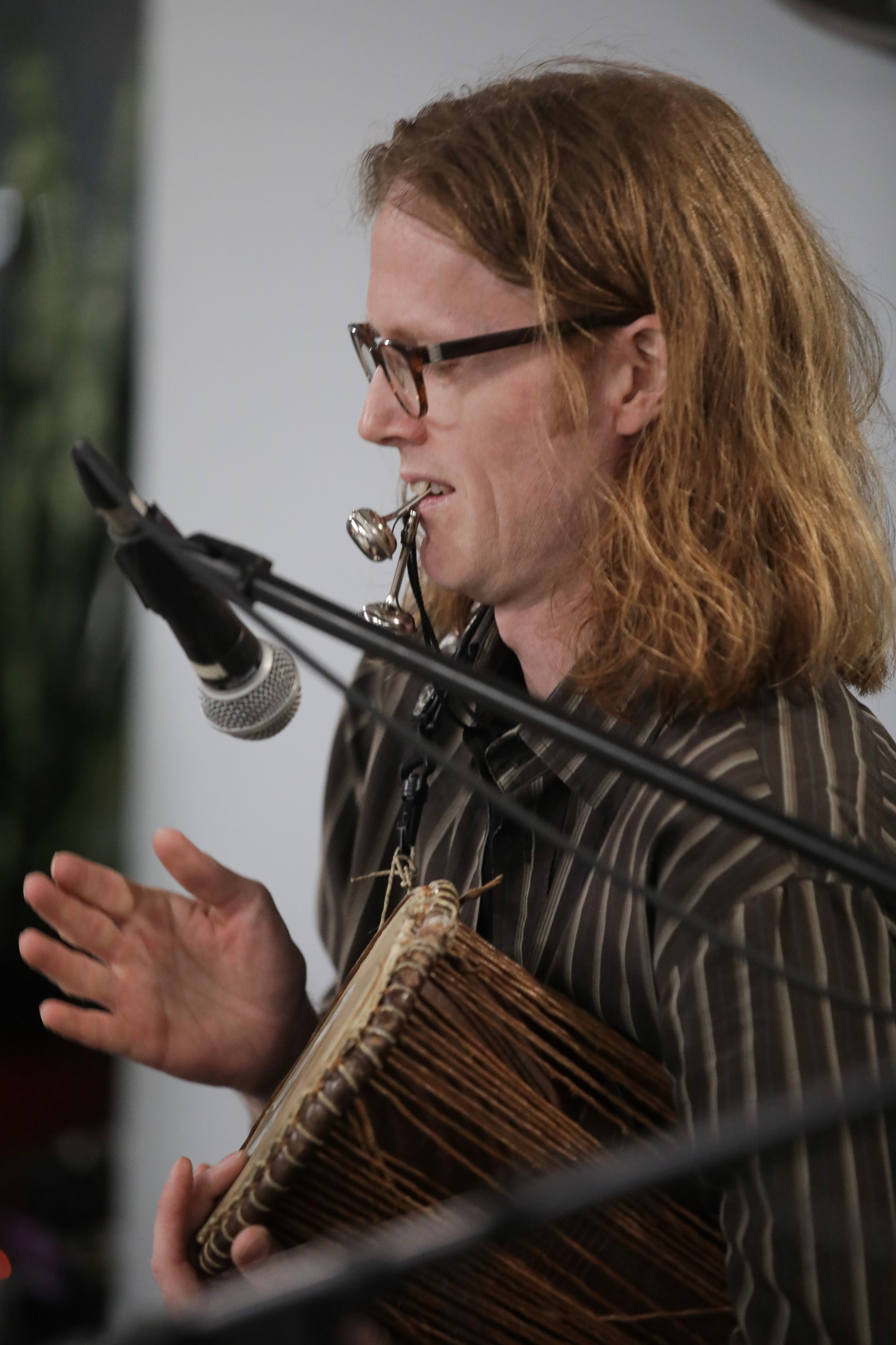 Kenneth Ekornes plays the talking drum.