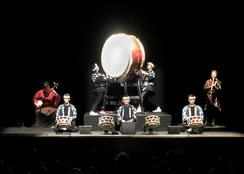 All seven members of Ondekoza perform for their performance at Peoples Bank Theatre. Photo by Shigeyo Henriquez.