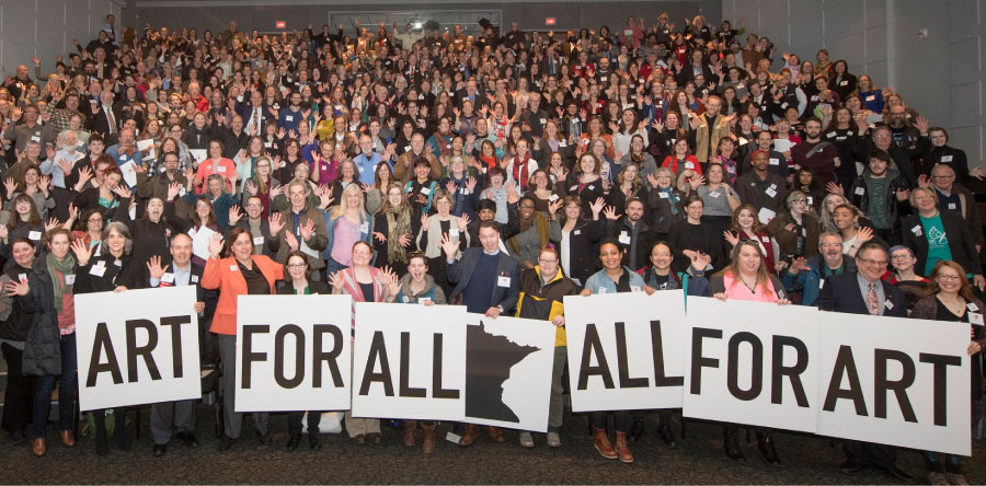 500 Minnesota arts advocates gather for a photo at the Minnesota History Center before meetings with government officials