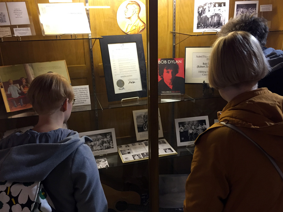 Kardemimmit learns about Bob Dylan's time at Hibbing High School