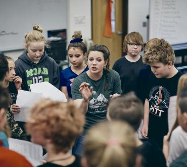 Shakespeare in American Communities grantee Montana Shakespeare in the Parks conducts a post show workshop at Chief Joseph Middle School in Bozeman, MT. Photo by Adrian Sanchez Gonzalez.
